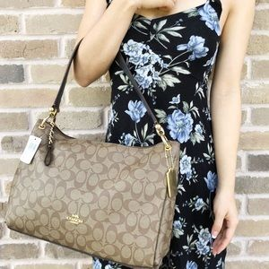 Coach Large East West Tote Crossbody signature